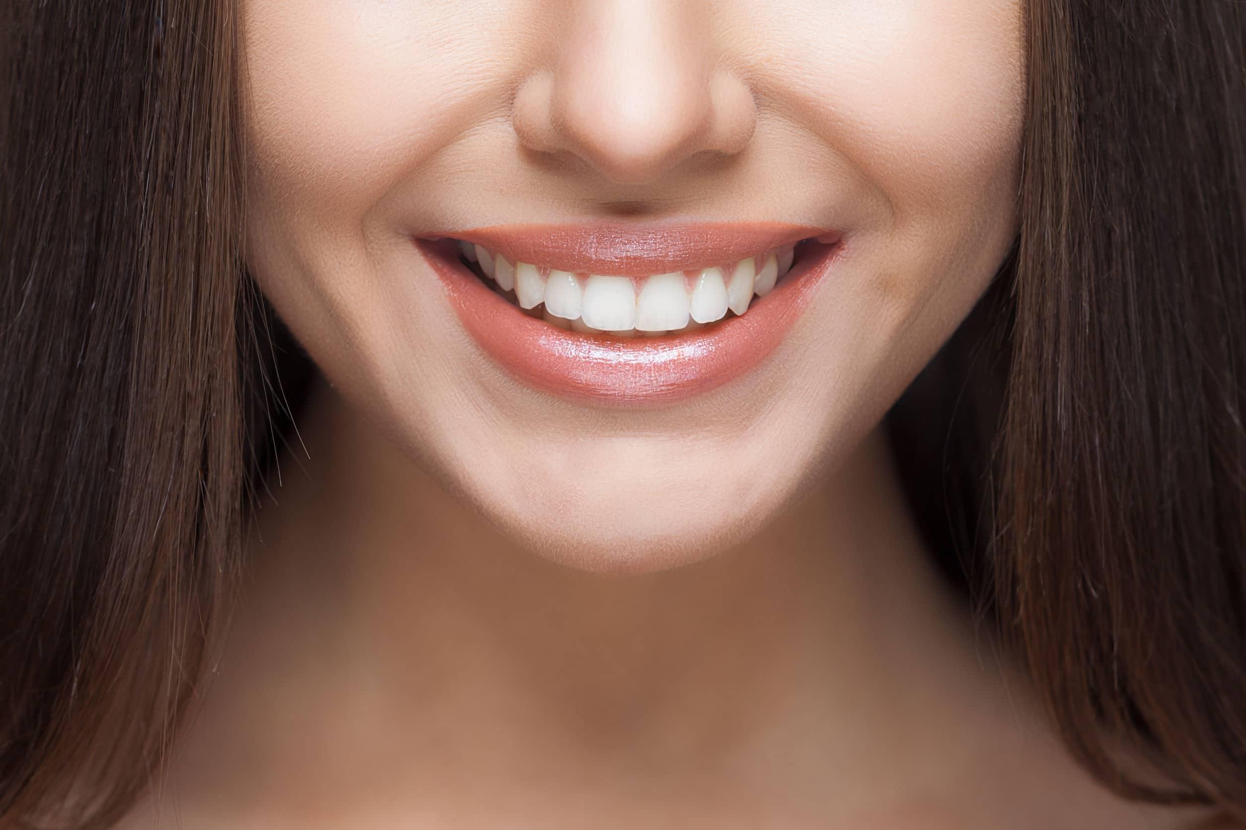 Implantología dental o puentes dentales