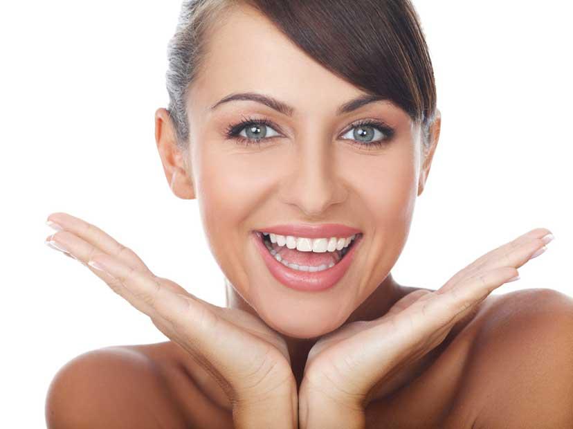 Sorisa bonita con tratamiento de estética dental