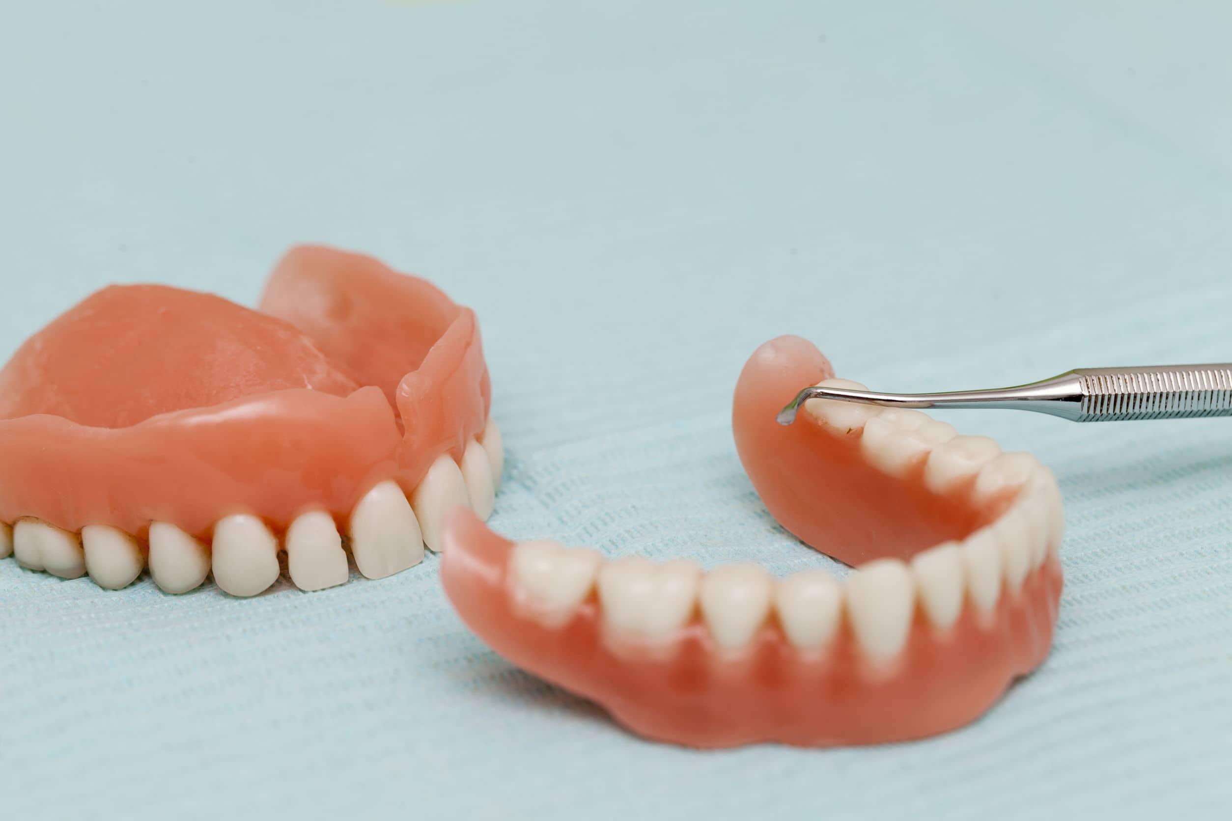 Consejos para comer con prótesis dental