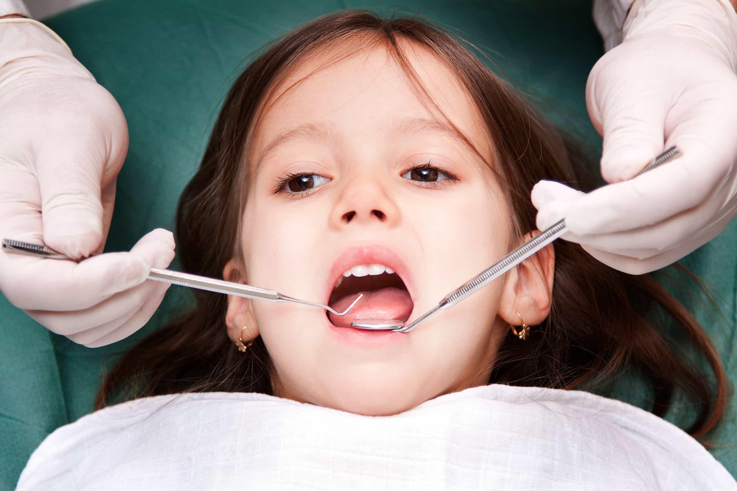cómo es una visita al dentista infantil