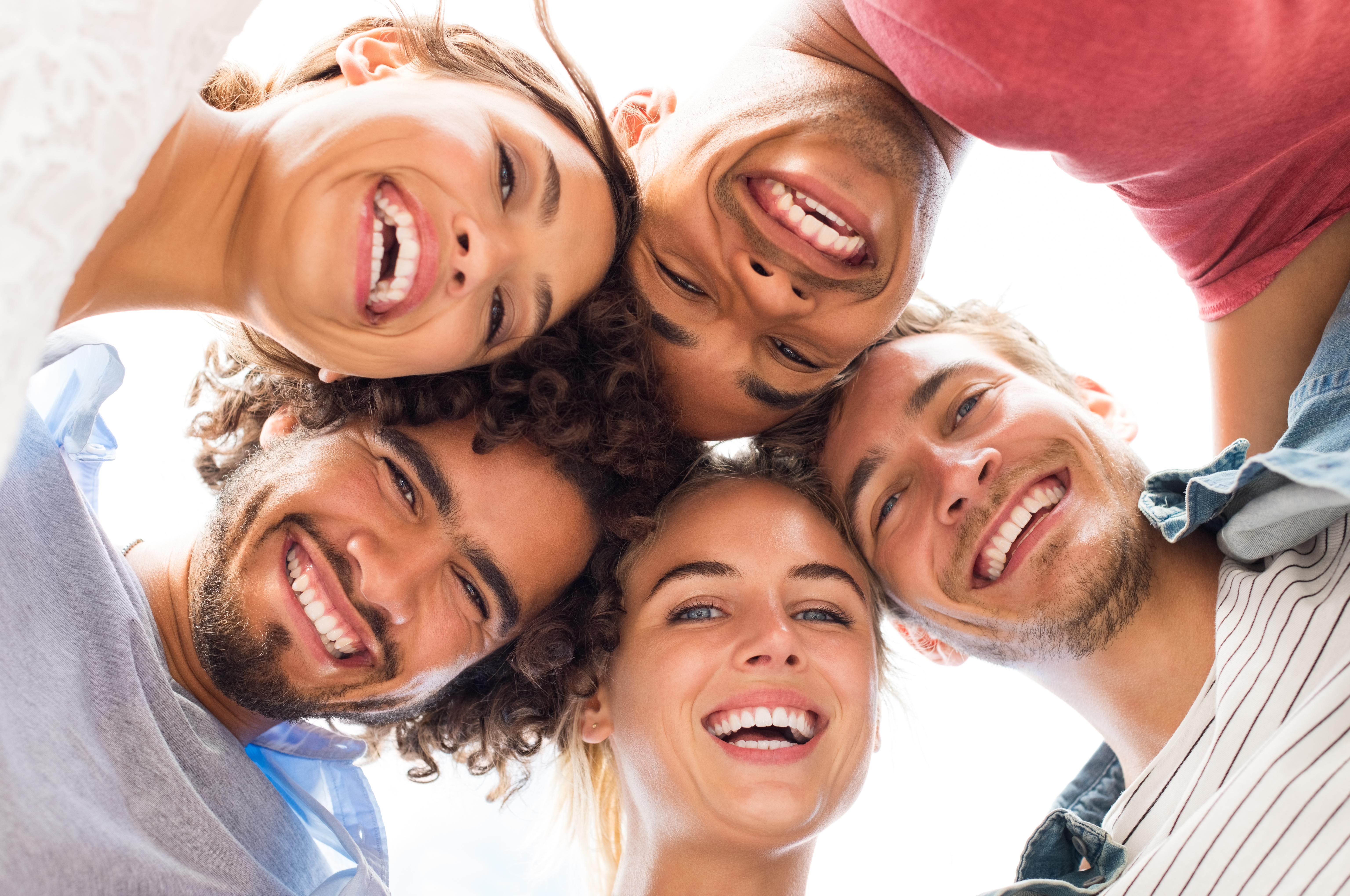cómo debemos cuidar bien nuestros dientes